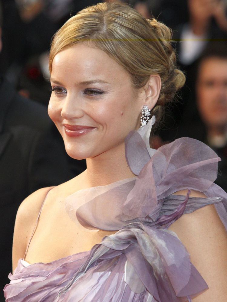 Abbie Cornish Hairstyle 19