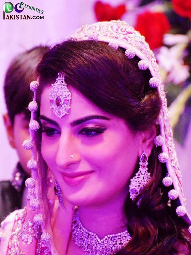 Sana Khan Dies in Accident