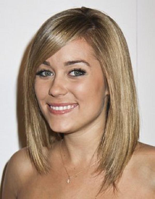 Corte de pelo de longitud media para adolescentes