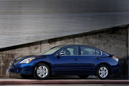 Side view of blue 2011 Nissan Altima