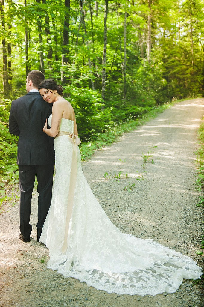 23 Wedding Dress Pictures You'll Regret Not Taking