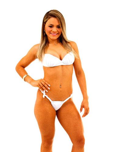 Aline, 24 anos, vendedora, de Brasília