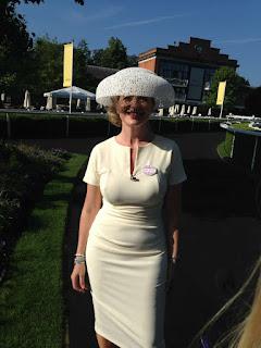 顽皮的女孩 - rs-carol-kirkwood_Carol-Kirkwood-wearing-the-Royal-Ascot-Hat-759268.jpg