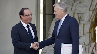 François Hollande et le Premier ministre Jean-Marc Ayrault sur le perron de l'Elysée