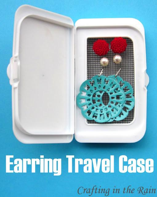 http://2.bp.blogspot.com/-pz1giO4s96o/T6AZSCRWZsI/AAAAAAAABP0/rezG6_NAAO0/s1600/earring+travel+case.JPG