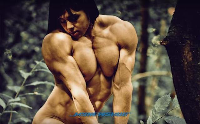 Wanita Sado Ini Jadi Yakin Jika Otot Lebih Besar