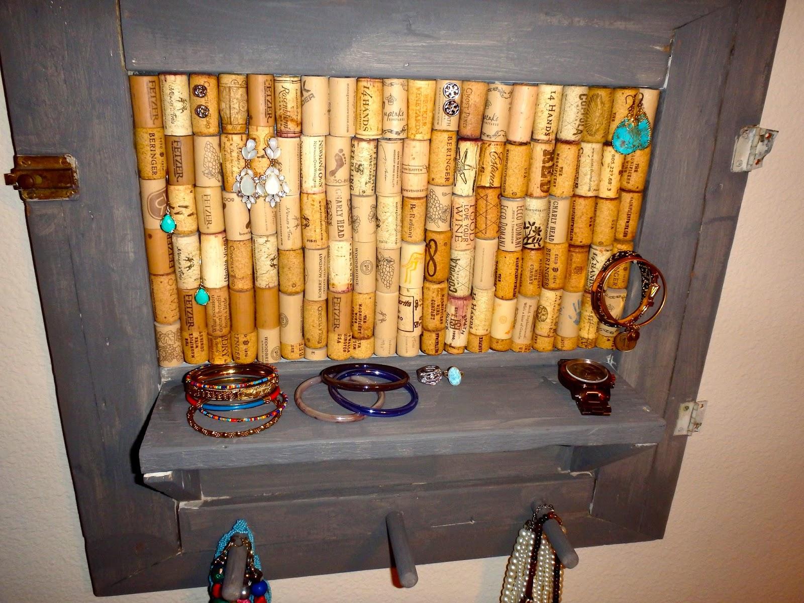 Musings of Mollie DIY Jewelry Organizer