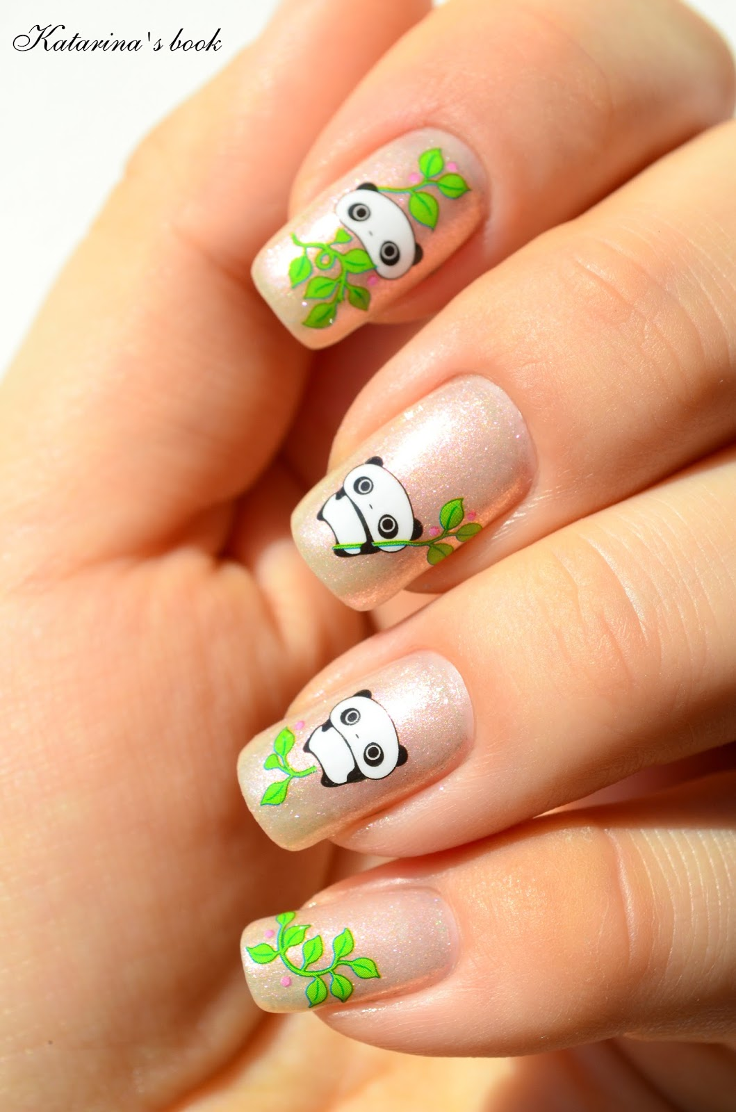 дизайн ногтей листья: