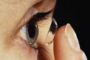 Tidur Dengan Lensa Kontak Bisa Menyebabkan Kebutaan