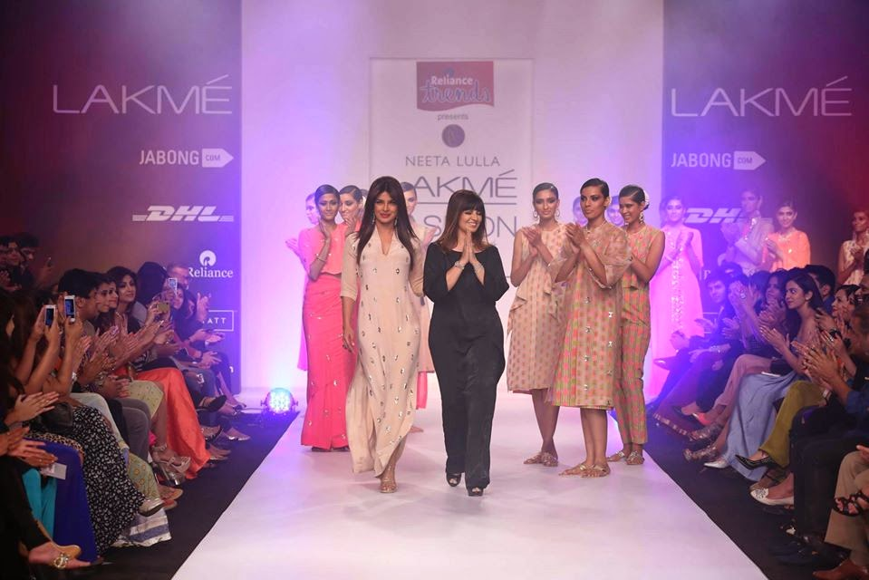 http://2.bp.blogspot.com/-q-LCDMZlFhI/UyXPMCkqA2I/AAAAAAABsf0/UVNvu4g88Qc/s1600/Priyanka+Chopra+sizzles+on+the+ramp+for+Reliance+Trends+presents+Neeta+Lulla+at+LFW-2014.jpg