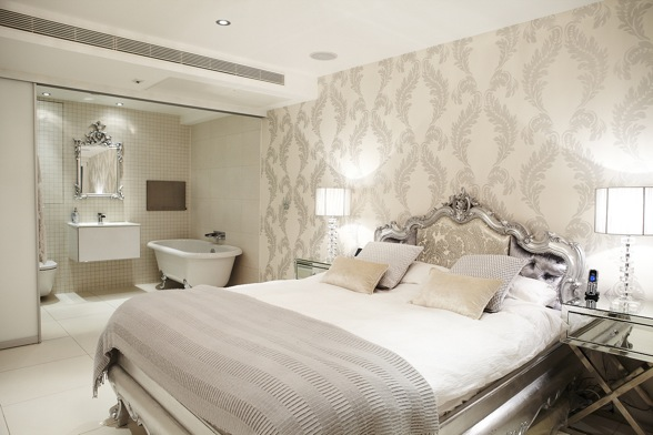 D co chambre blanc et argent for Decoration salon argente