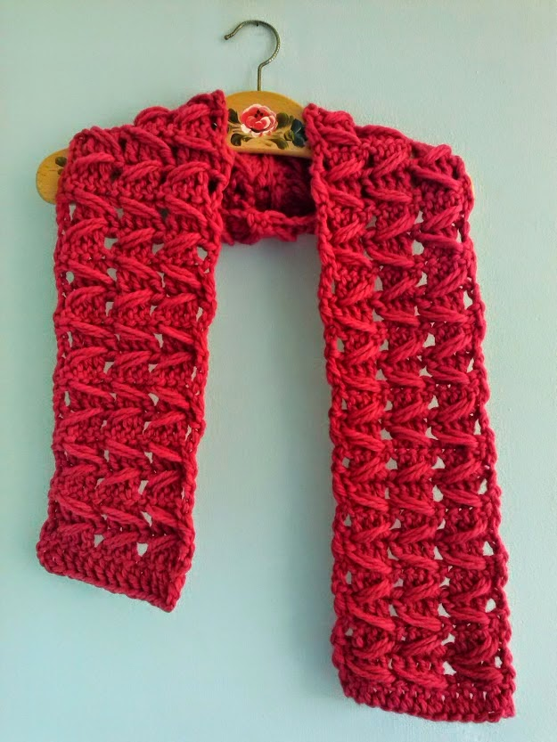 Free Crochet Pattern For Zig Zag Scarf : mrsdaftspaniel: Free Crochet Pattern - Zig Zag Scarf