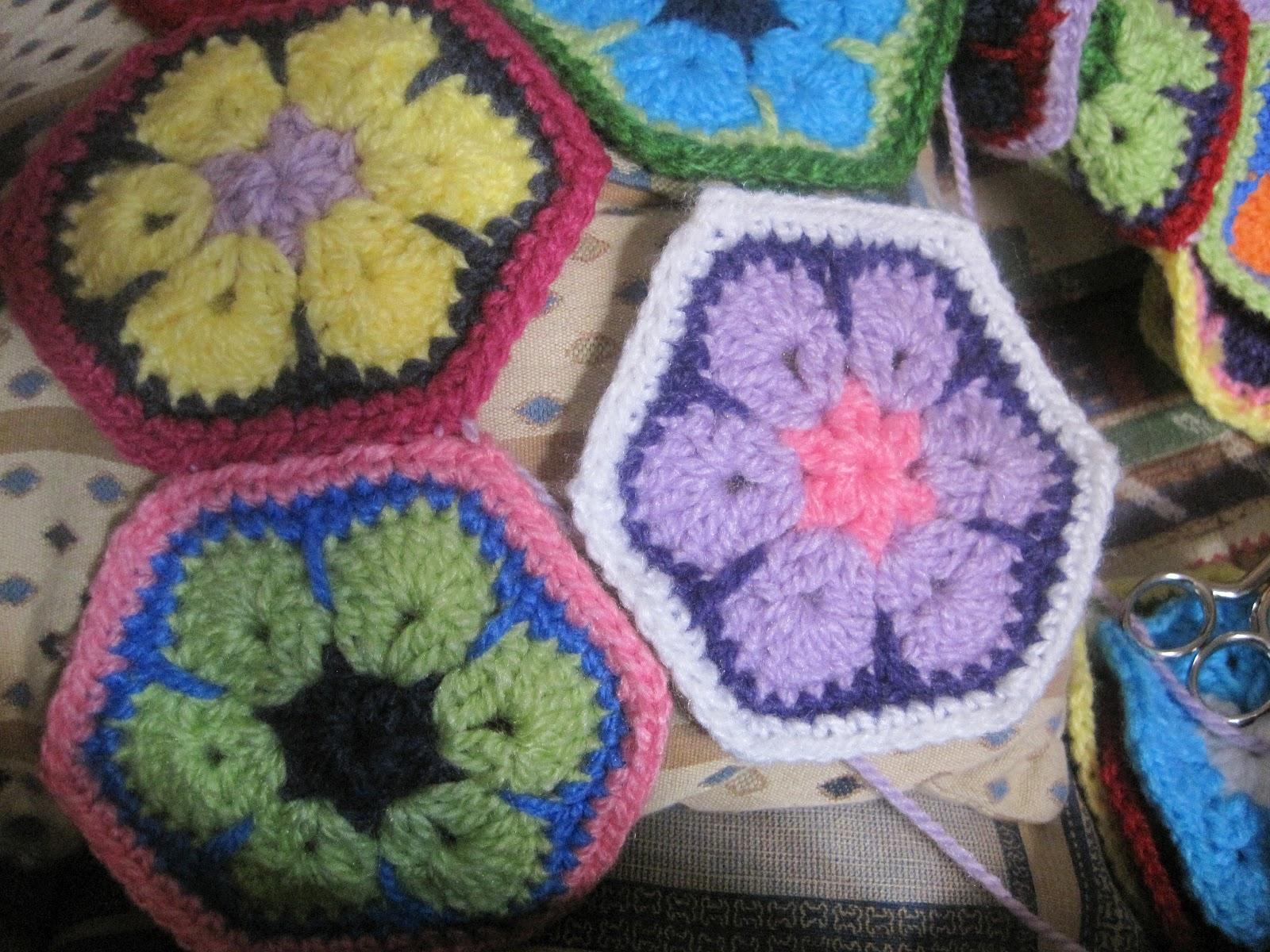 Mis perendengues: Patrón/tutorial flor africana