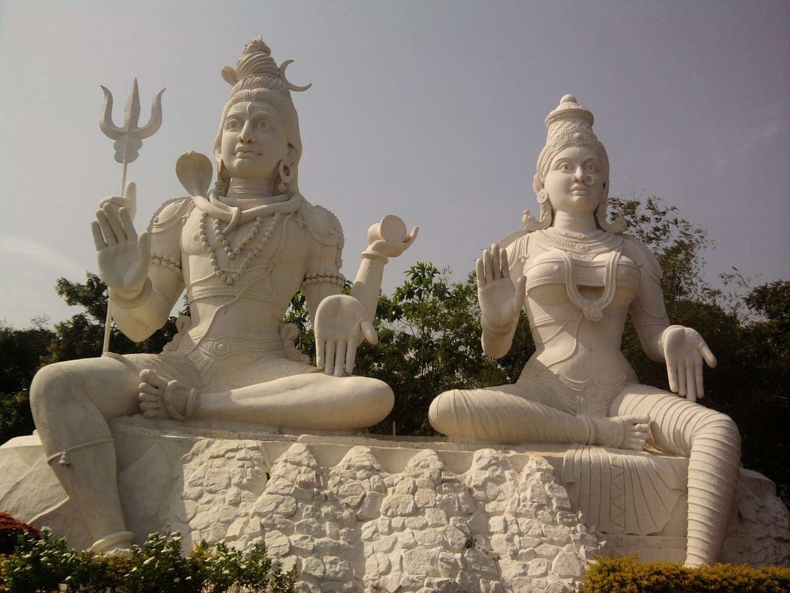 Happy Maha Shivaratri 2014 HD Wallpapers and Images Lord shiv ji and maa parvati