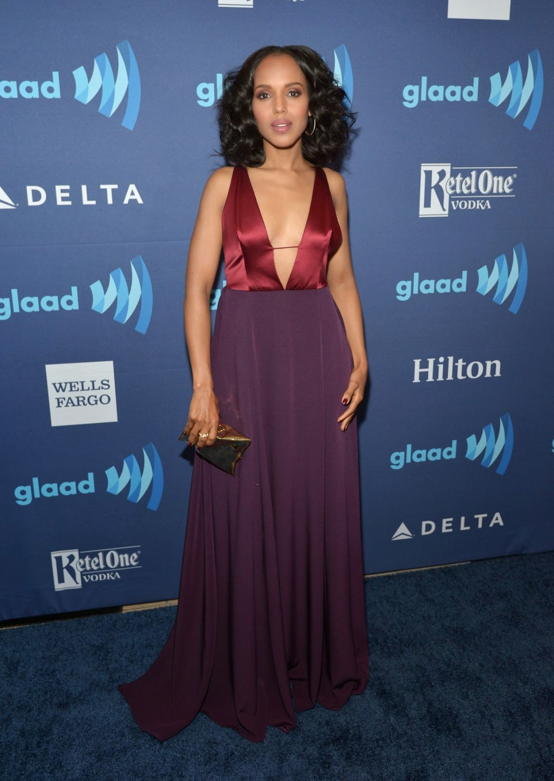 Kerry Washington in a plunging dress at the 2015 GLAAD Media Awards in Beverly Hills