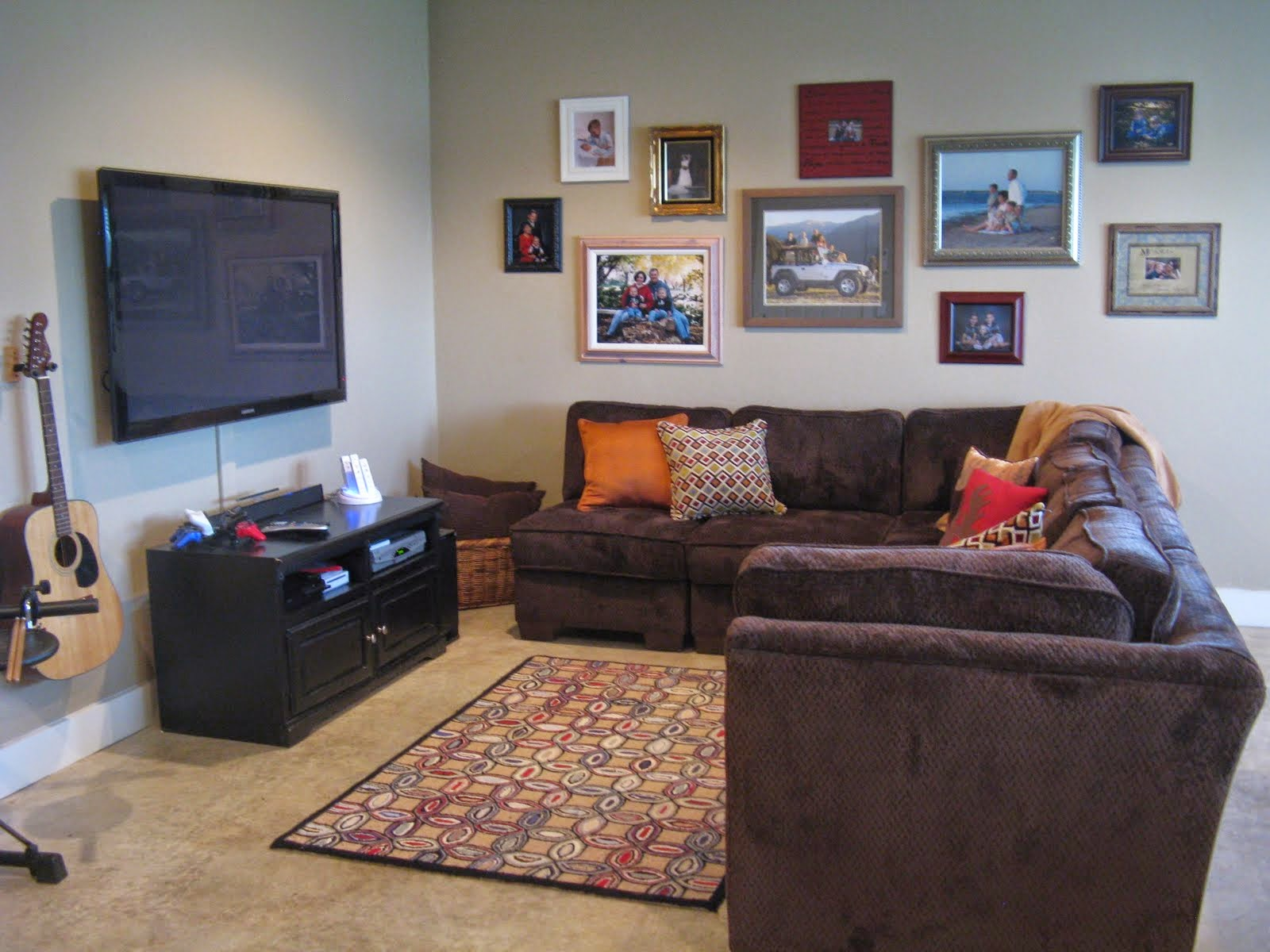 Basement rec room decorating ideas instant knowledge Basement room decorating ideas