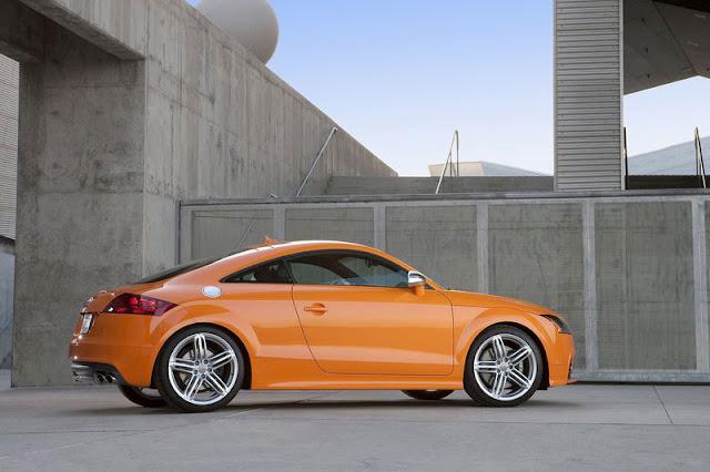 2011 Audi TTS Coupe Orange Wallpaper