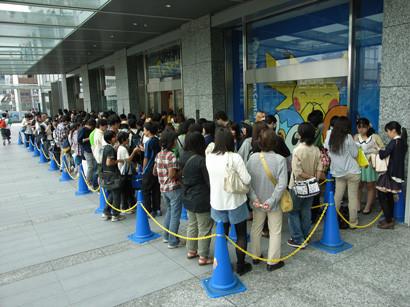 Pré-venda de Pokémon Black & White 2 alcança 1.16 milhões de unidades; Confira como foi o lançamento no Japão Full