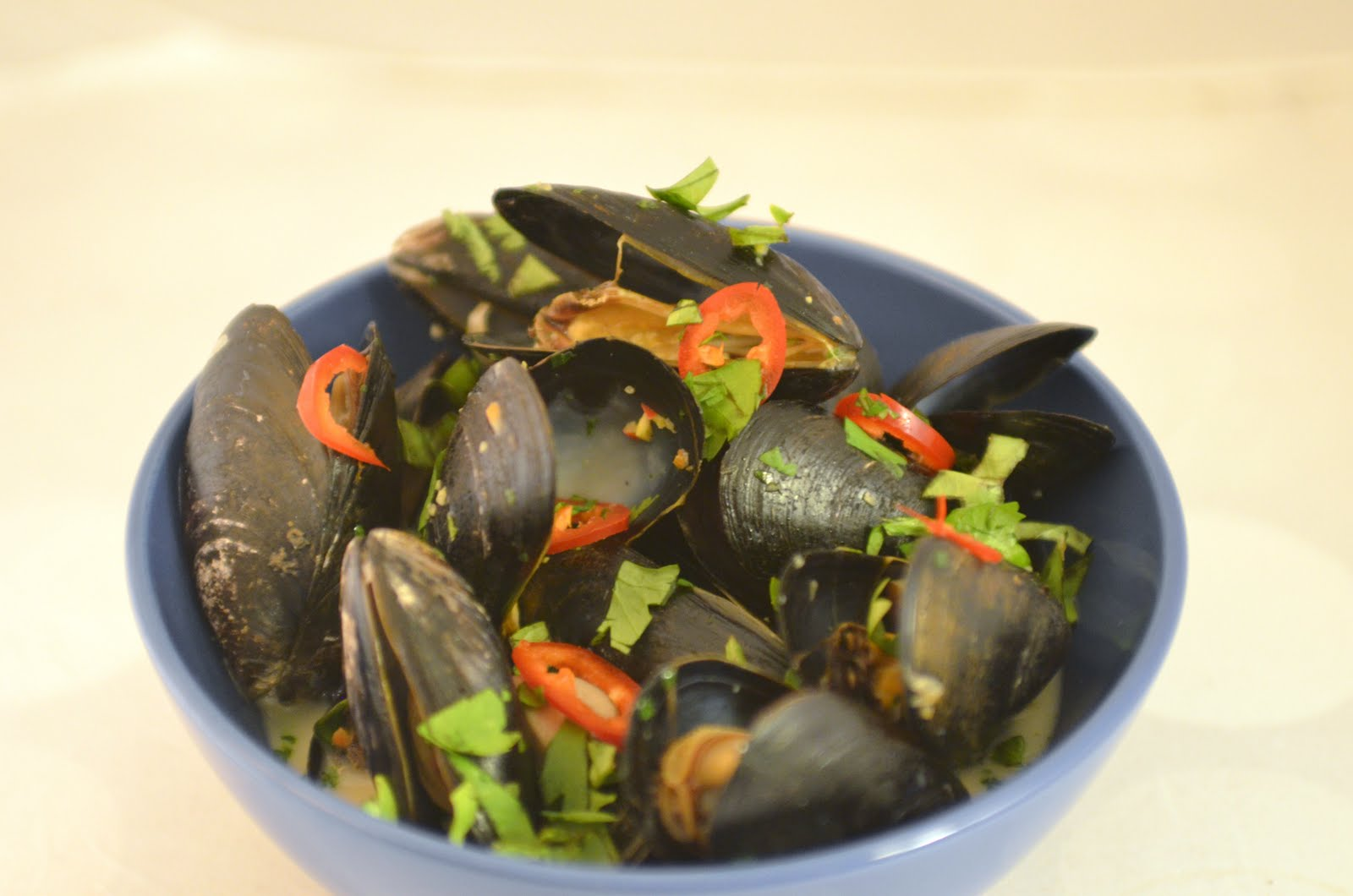 Navy Blue Kitchen: Steamed Mussels with Coconut Milk and Thai Chiles