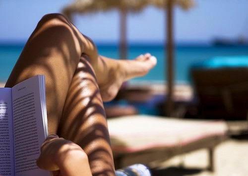 10 αγαπημένα κλασικά βιβλία για τις διακοπές καλοκαίρι θάλασσα παραλία βιβλίο