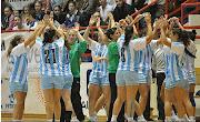 Ante 300 espectadores la Seleccion Argentina Damas de handball vencieron 31 .