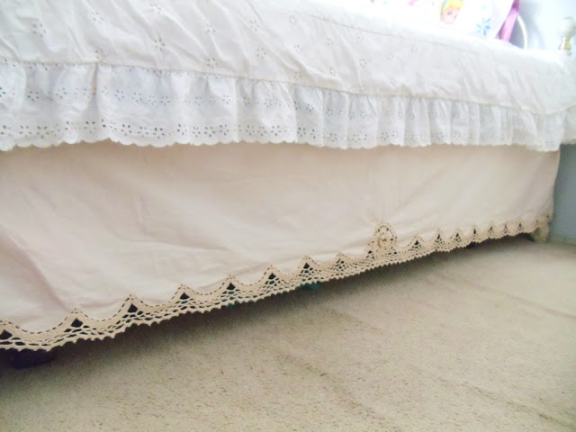 BEDSKIRT, crochet bedskirt