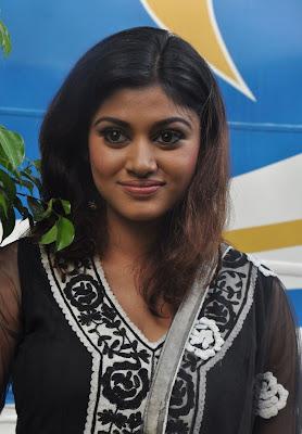oviya at kalakalappu (masala cafe) audio launch shoot actress pics