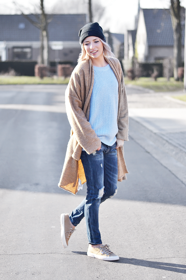 Wearing a smile, primark jeans, superga, camel, mango, cardigan, baby blue, hat, casual