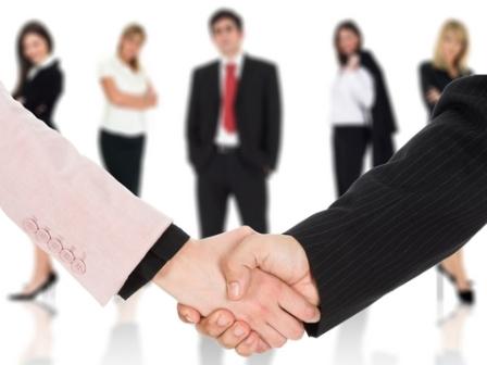 Cách giao tiếp với khách hàng hiệu quả - giao tiếp khách hàng