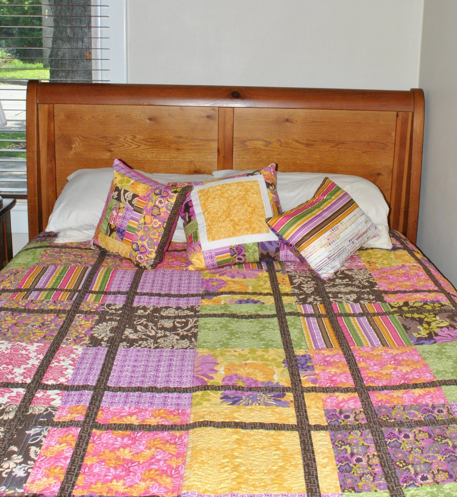 Quilt Ideas For Master Bedroom : The Girl Who Quilts: What's old is new again - the master bedroom!