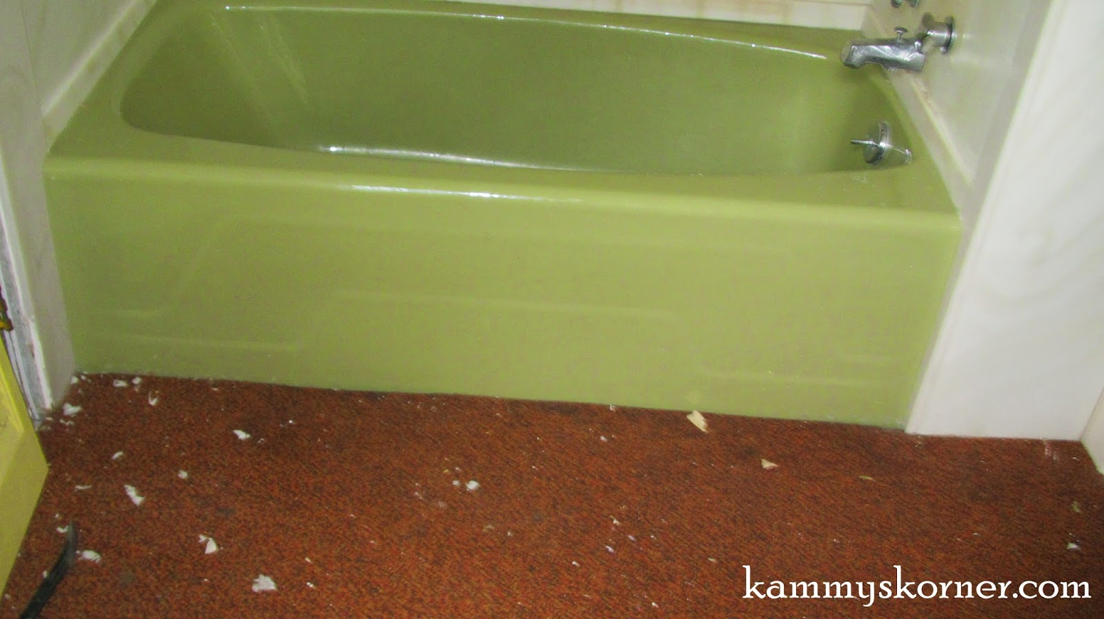 Rockinu0027 The Avocado Green Bathtub (For Now!!)
