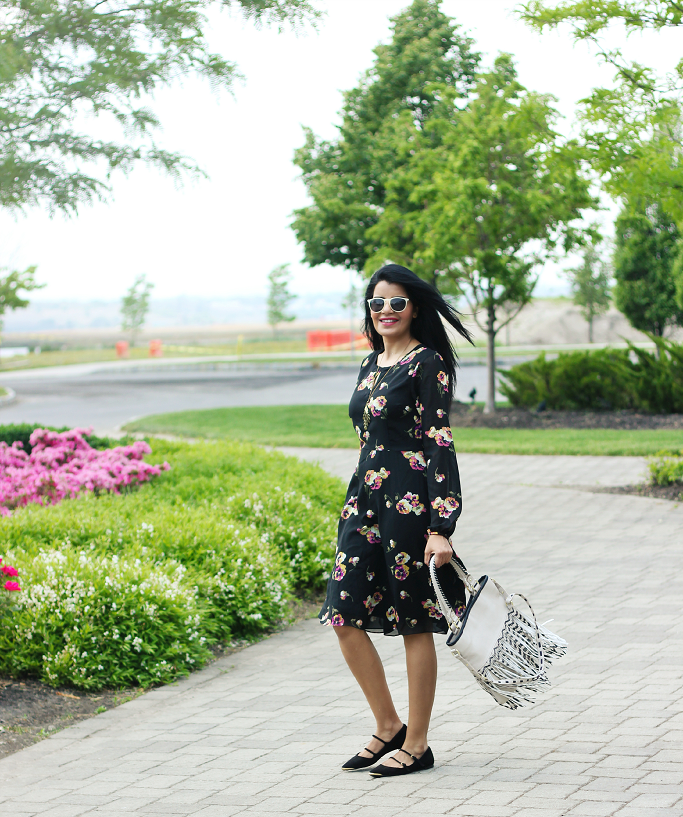 Long Sleeve Floral Dress, Summer Floral Dress, Rose print dress, fringe bag, zara double strap flats