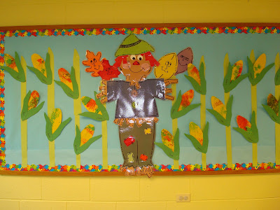 October Bulletin Board Ideas Preschool http://trinitypreschoolmp.blogspot.com/2011/10/fall-scarecrow-bulletin-board-oak-room.html