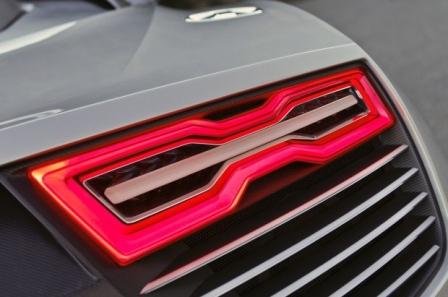 Desain mobil keren audi e tron cocok untuk wallpaper desktop