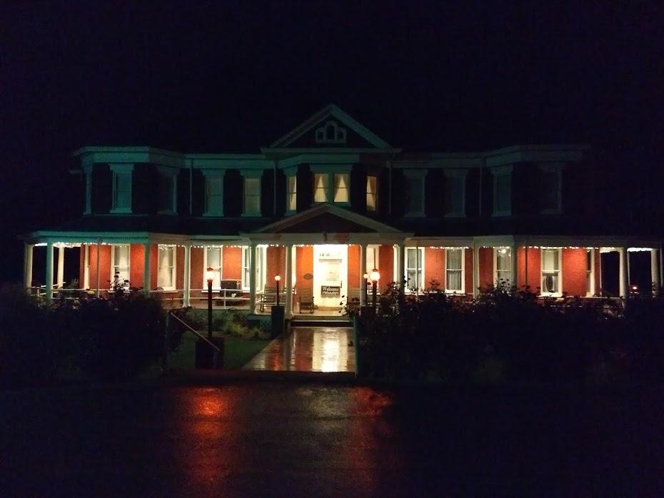 Grand Vicotrian Inn