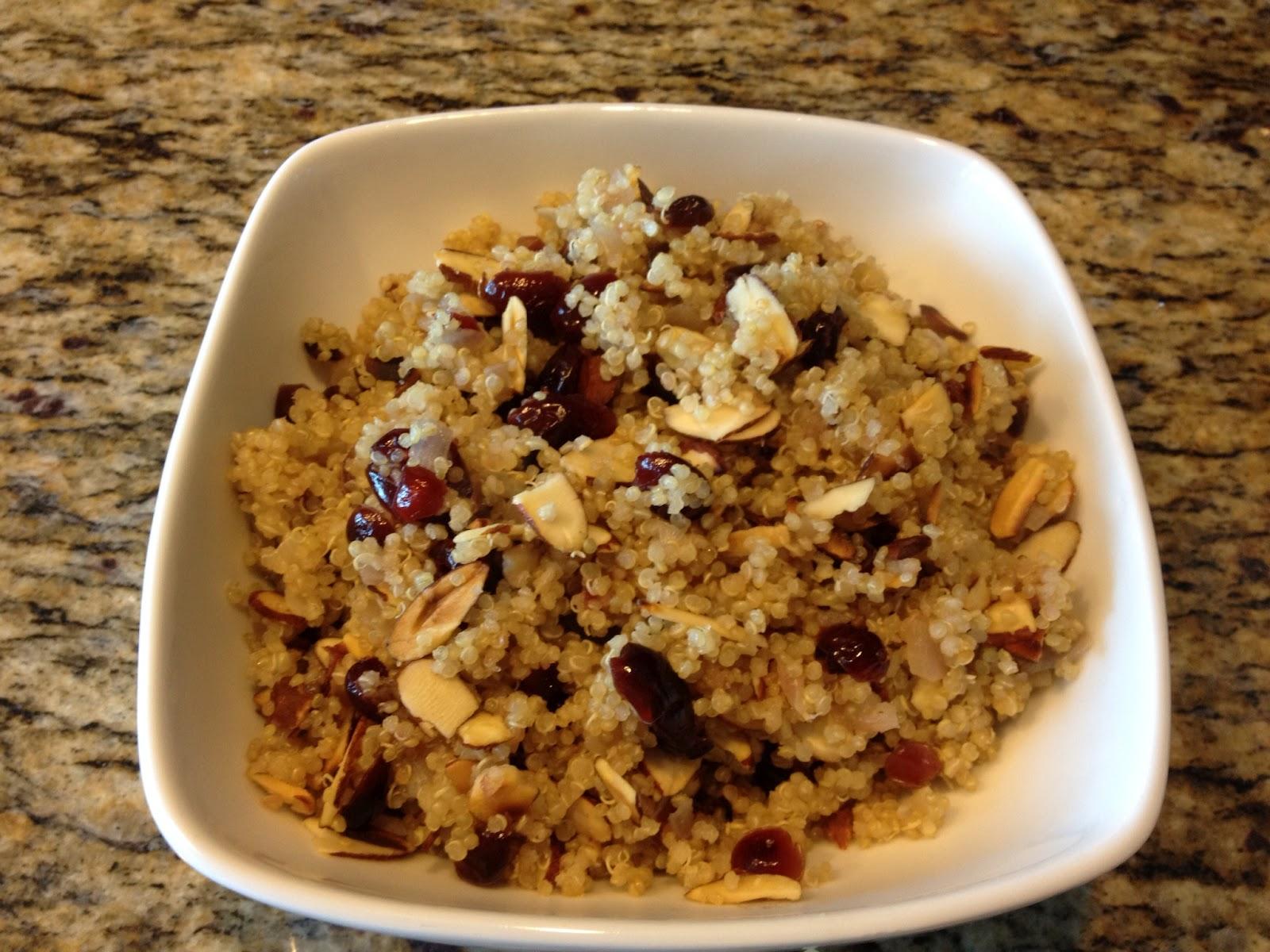 Mi cocina y tips quinoa con almendras y cranberries for Cocinar quinoa con pollo