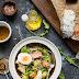 Sałatka z wędzonego łososia i ziemniaków