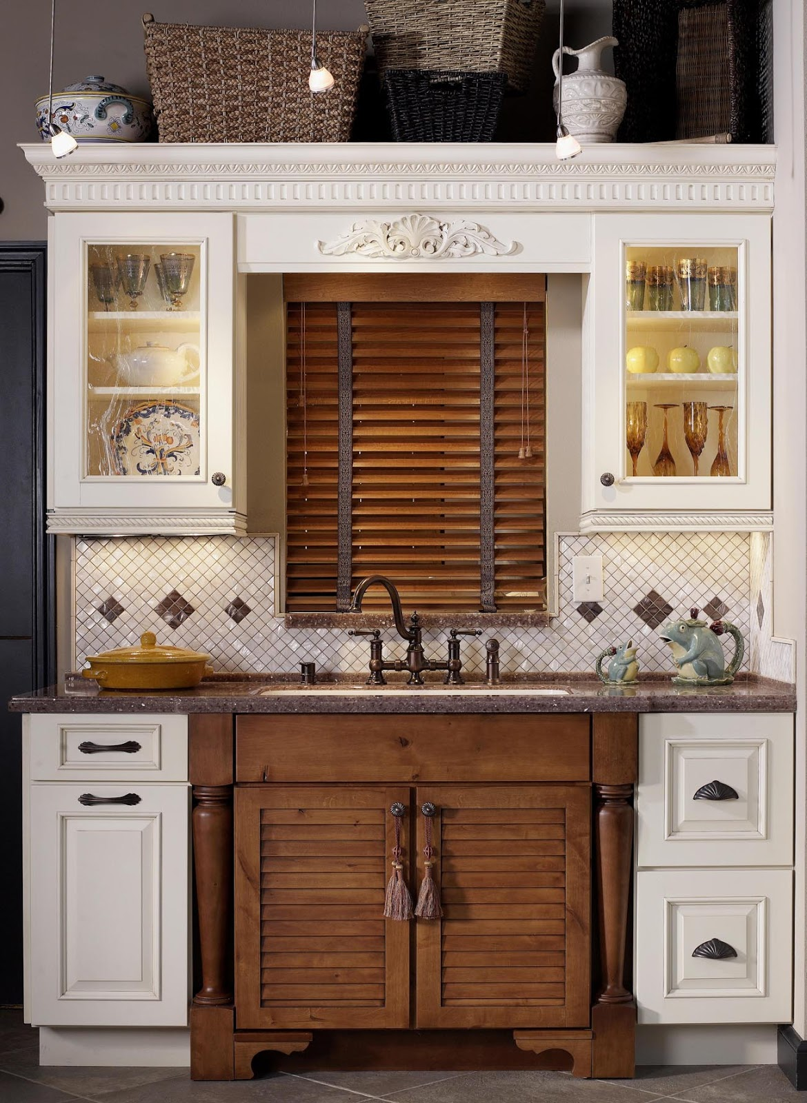 Kitchen and residential design you 39 re killing me for Kitchen cabinets houzz