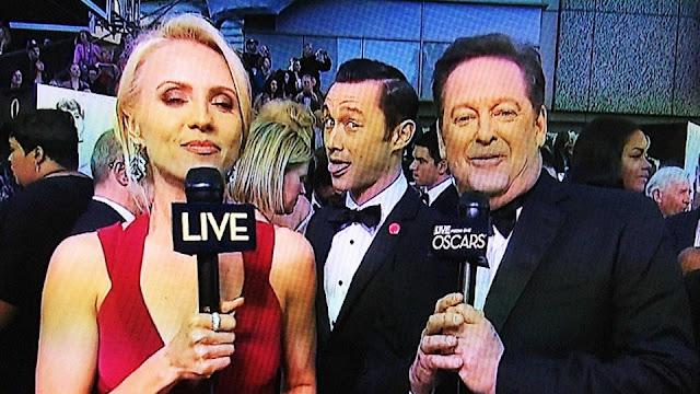 Joseph Gordon Levitt Photobomb Oscars 2013