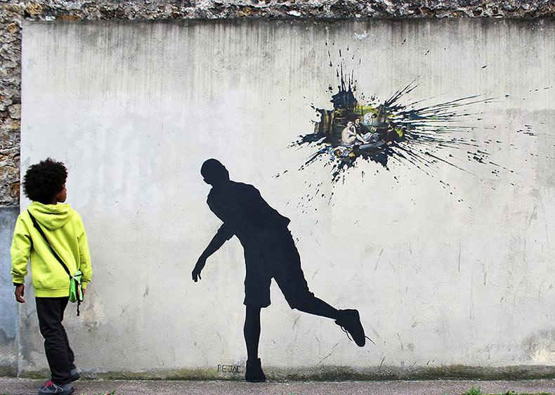 Pejac deja nuevas piezas de arte urbano en las paredes de París