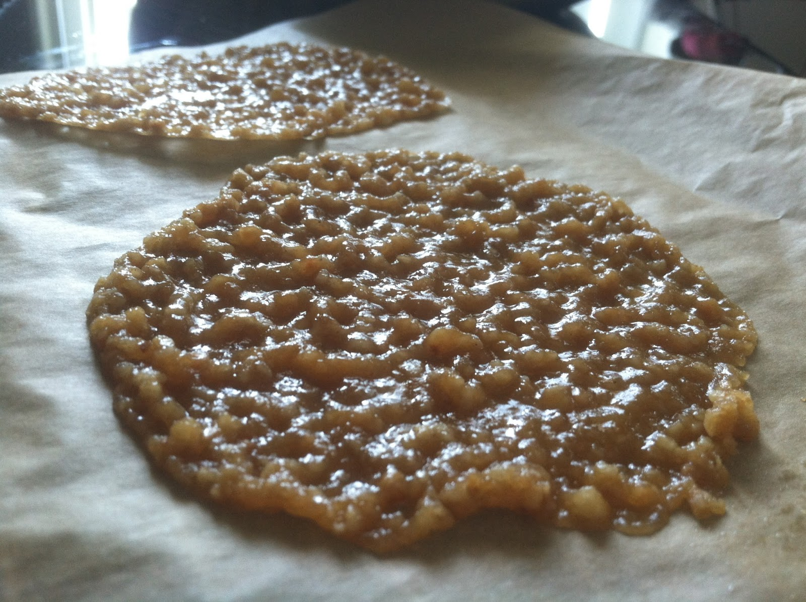 Living Towards Love: Vegan Macadamia Lace Cookies