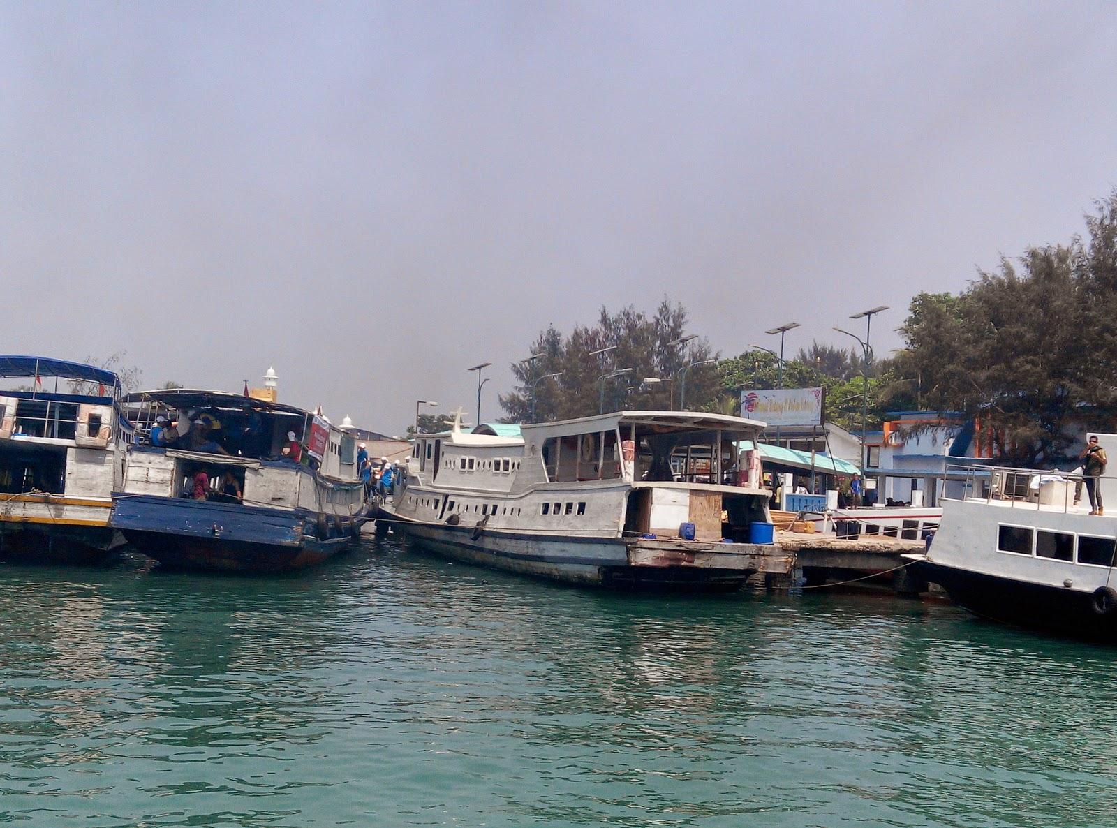 Kapal Tradisional ke Pulau Tidung
