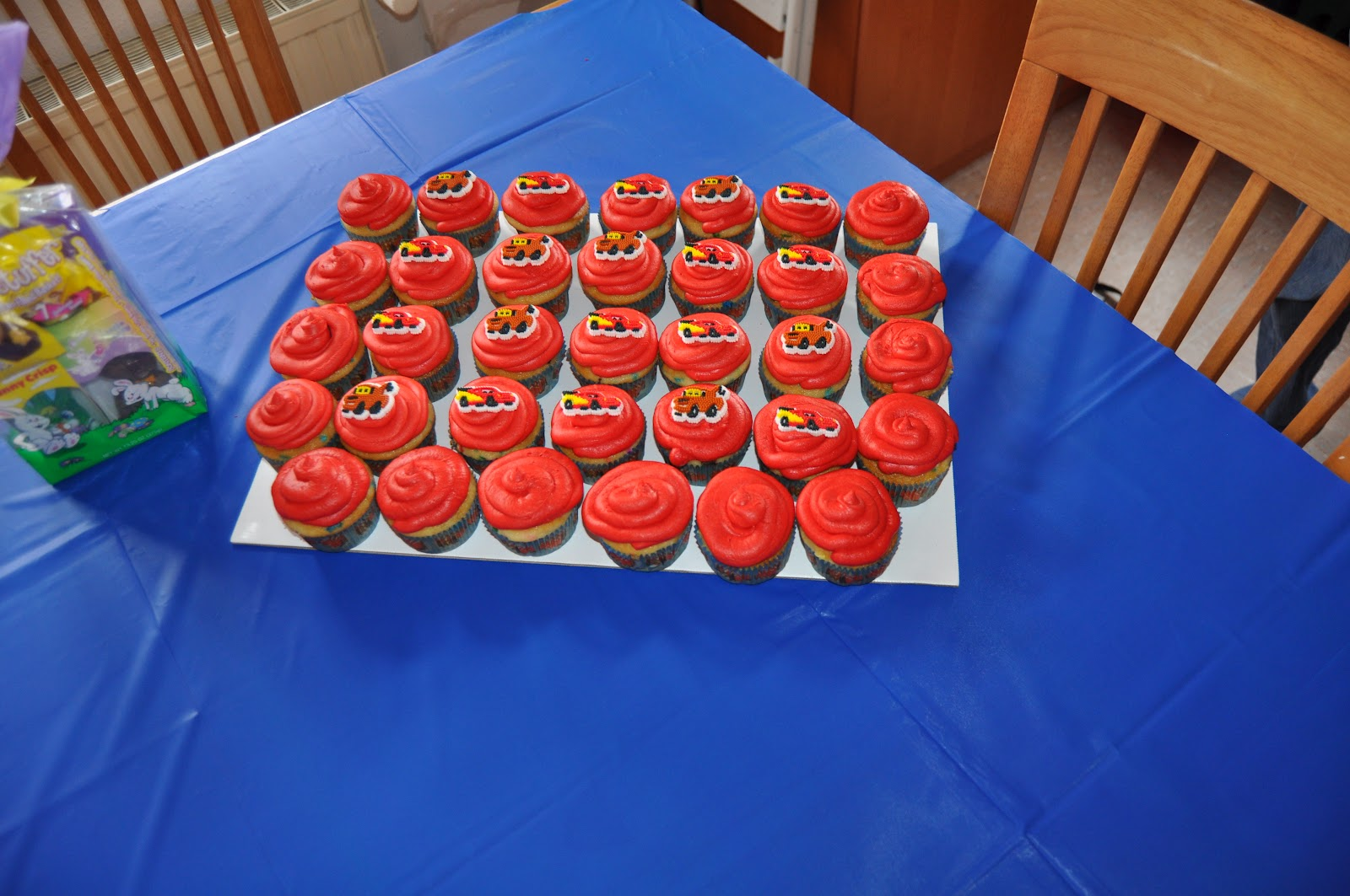 Courtneys Cakes Cupcakes Cars 2 Lightning McQueen Cake