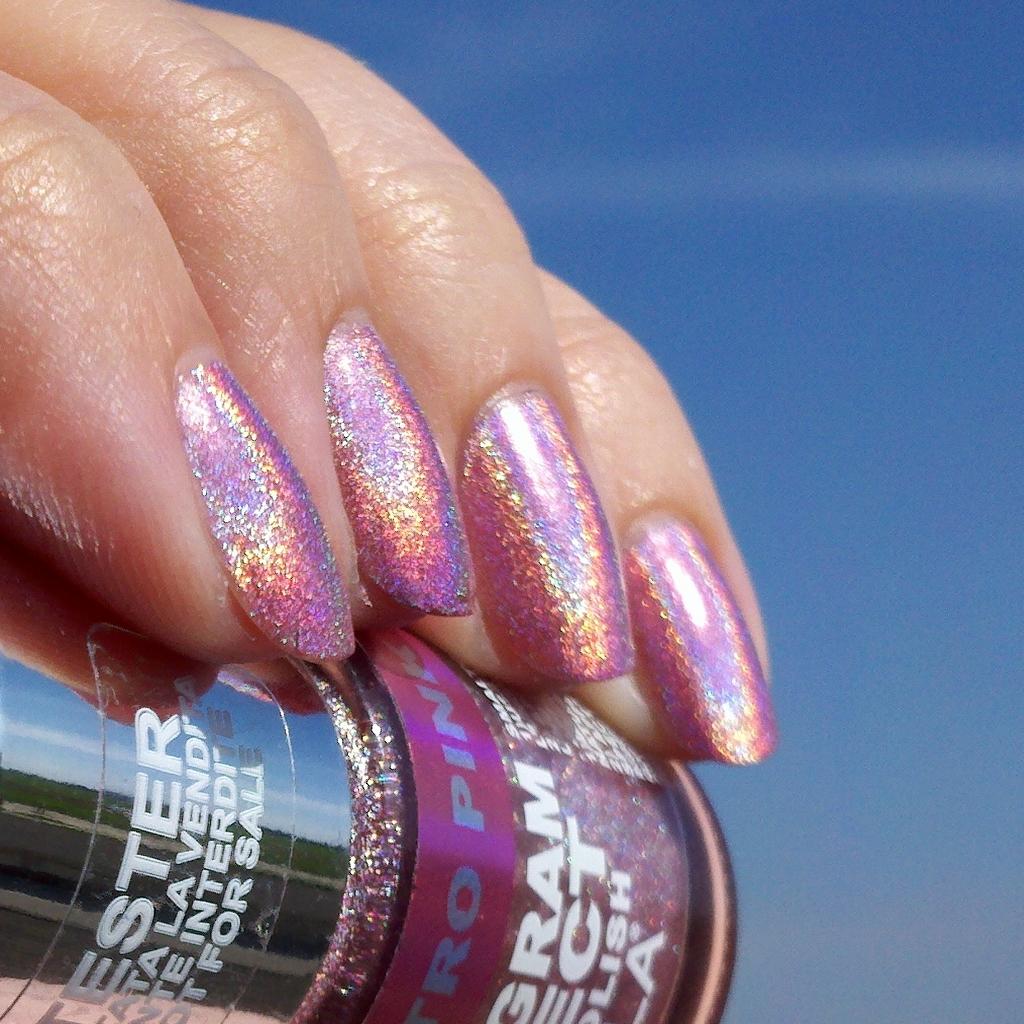 polish insomniac: Layla Cosmetics Hologram Effect Nail ...