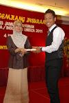 terima sijil dr ketua jabatan ^-^