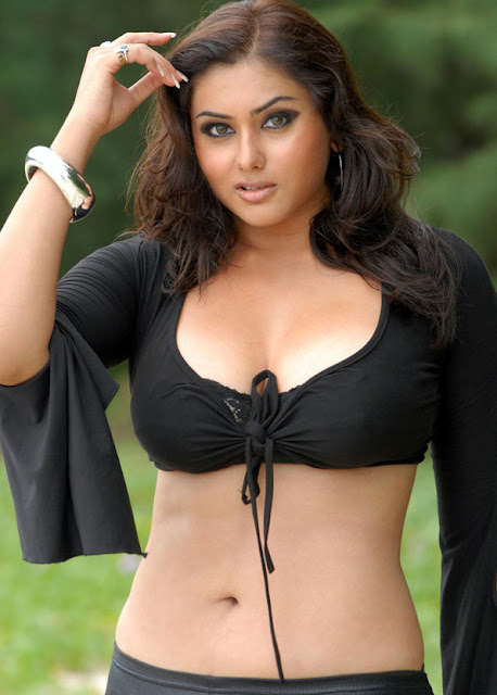 Desi kamsutra hot scene photo: big boobs aunty