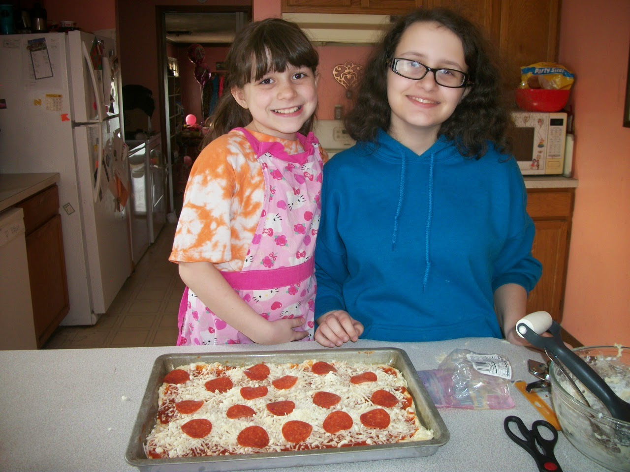 http://collettaskitchensink.blogspot.com/2015/04/family-time-pizza-making-42115.html