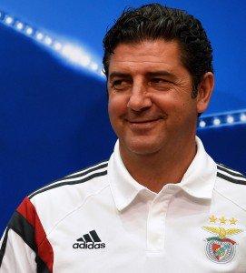Rui Vitória disse pensar jogo a jogo, mas está focado em colocar o Benfica nas oitavas de final da Liga dos Campeões (Foto: AFP/Francisco Leong)