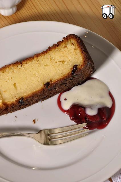 Szybko Tanio Smacznie - Ciasto z winem musującym i białą czekoladą