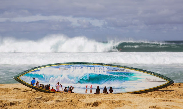 32 Billabong Pipe Masters Pipe Trophy Foto ASP